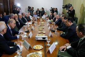 "Handout picture taken on October 28, 2016 by Brazilian Presidency, shows Brazil's president Michel Temer meets with the president of the Supreme Court minister Carmen Lucia, Defense minister Raul Jungmann, Justice minister Alexandre de Moraes and the presidents of the Senate and Lower House Renan Calheiros and Rodrigo Maia at Itamaraty Palace in Brasilia.   / AFP PHOTO / BRAZIL'S PRESIDENCY / BETO BARATA / XGTY / RESTRICTED TO EDITORIAL USE - MANDATORY CREDIT ""AFP PHOTO / BRAZIL'S PRESIDENCY / MARCO CORREA "" - NO MARKETING NO ADVERTISING CAMPAIGNS - DISTRIBUTED AS A SERVICE TO CLIENTS"